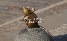 Skulptūra 'Stebuklingasis peliukas'